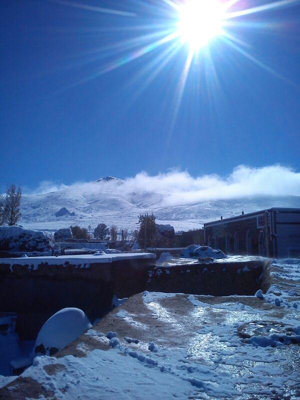 بارش برف در روستا